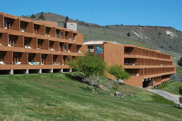 Kahneeta High Desert Resort & Casino – a Year-Round Vacation Spot In Oregon