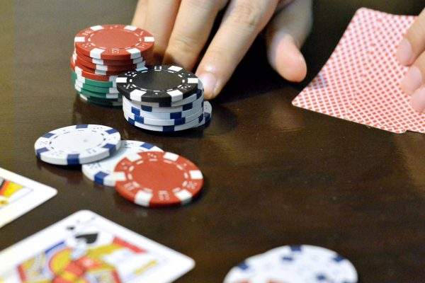 Texas Hold'Em 101: Tips In Playing Pocket Jacks Efficiently