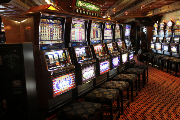 Online Casinos Vs Traditional Casinos – Know the difference