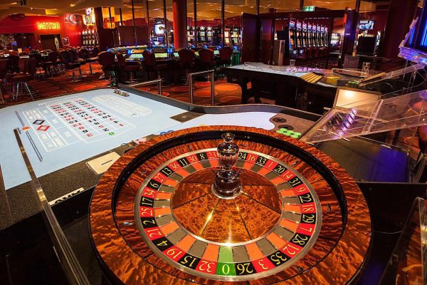 How To Play Craps – Implement the correct tips and tricks